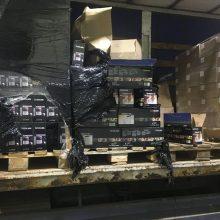 Tūkstančius pakelių kontrabandinių rūkalų rado išslapstytus anglies filtruose
