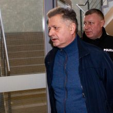 Teismas atidėjo buvusio teisėjo V. Bavėjano ieškinį dėl atleidimo