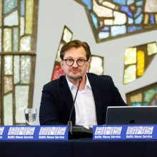 """R. Karbauskis ir į EP išrinkti """"valstiečių"""" atstovai konferencijoje nepasirodė"""