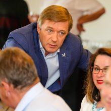 """Kova dėl Seimo pirmininko kėdės kirto """"valstiečių"""" reitingams"""
