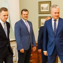 Opozicija su prezidentu aptarė ir pirmalaikių rinkimų galimybę