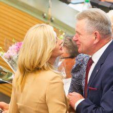 Seime prisiekė trys nauji ministrai