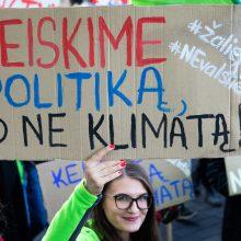 Vilniuje – protestas dėl klimato kaitos: neš karstą Gedimino prospektu