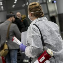 Ruošiasi ir Lietuva: Vilniaus oro uoste dėl koronaviruso tikrinami keleiviai