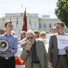 Mitinguotojai ragino G. Nausėdą laikytis principinės pozicijos dėl Astravo AE