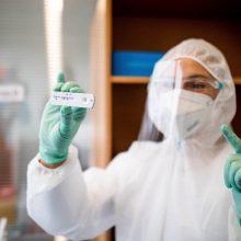 KT vertins draudimą grįžti į Lietuvą esant teigiamam koronaviruso testui