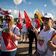 Prie Seimo – Šeimų maršo protestas: valdžiai turi sąrašą reikalavimų