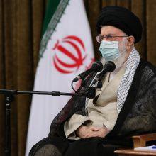 Irano aukščiausiasis lyderis suteikė malonę daugiau nei 2,8 tūkst. kalinių