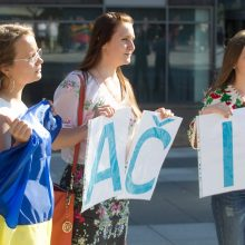 Lietuva finansuos keturių ukrainiečių iš karo zonos studijas