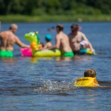 Tyrė vandenį: įvardijo vietas, kur maudytis nerekomenduojama