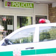 Teko skubiai evakuoti policijos komisariatą – vyras atnešė sprogmenį
