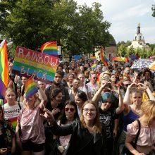 Gėjų paradas Lenkijoje sukėlė pyktį: dalyviai buvo apmėtyti akmenimis