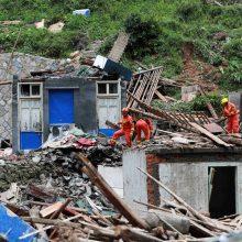 """Kinijoje siaučiant taifūnui """"Lekima"""" žuvo mažiausiai 49 žmonės"""