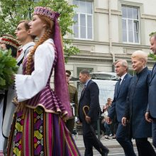 Šalies vadovai sveikina su Valstybės diena – ragina didžiuotis valstybe