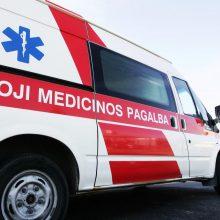 Rokiškio rajone susidūrus automobiliams į ligoninę išvežti trys žmonės