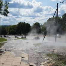 Sankryžoje – vandens fontanai: vamzdžiai neatlaikė hidraulinių bandymų