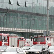 Išgąsdino ugnis kavinėje: Vilniuje evakuotas biurų pastatas