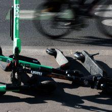 Sužalota elektriniu paspirtuku per perėją važiavusi moteris