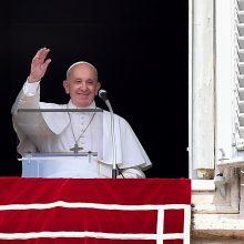 Popiežius Pranciškus Vatikane įstrigo lifte