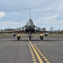 NATO naikintuvai šešis kartus kilo lydėti Rusijos karinių orlaivių