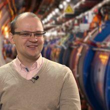 """""""Mokslo sriuba"""": kaip veikia didžiausias pasaulyje dalelių greitintuvas?"""