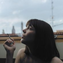 Įsigaliojo draudimas rūkyti daugiabučių balkonuose: rūkaliams gresia baudos