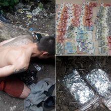 Narkotikai iš taboro nedingsta: rado ir kvaišalų, ir tūkstančius grynųjų