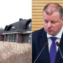 """Vyriausybė laikysis teismo sprendimo griauti Vijūnėlės """"dvarą"""""""