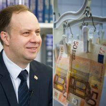 A. Veryga ragina gydymo įstaigas kelti medikams atlyginimus