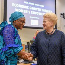 D. Grybauskaitė ragina sparčiau užtikrinti lyčių lygybę darbo rinkoje