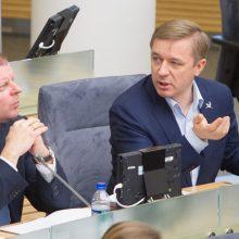 """""""Valstiečiai"""" žada nesididinti sau valstybės dotacijų iki Seimo rinkimų"""