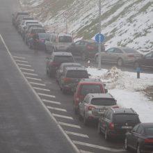 Kelininkai įspėja vairuotojus: naktį eismo sąlygas sunkins rūkas