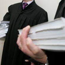 Nuteistas advokatu apsimetinėjęs teisininkas