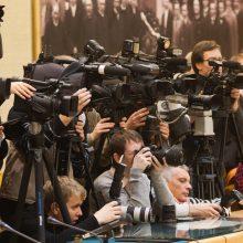 Politikų nerimas: žiniasklaida vedžiojama ant pavadėlio?