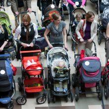 SADM: gyventojai linkę rinktis dvejų metų vaiko priežiūros atostogas