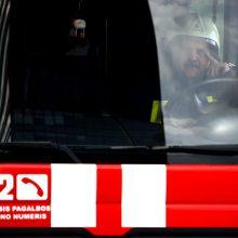 Ugniagesiai gelbėjo žmones, patekusius į netikėtas situacijas