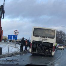 Keleivinis autobusas neįveikė Jakų žiedo