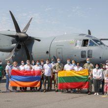 Grįžo medikų pagalbos misija, padėjusi kovoti su COVID-19 Armėnijoje
