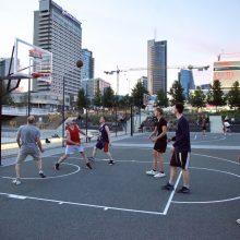 Baltojo tilto sporto aikštynas grįžta į miesto gyvenimą