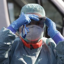 Vilniaus savivaldybė medikams nupirko 20 tūkst. respiratorių