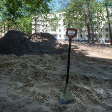 """""""Šnekučio"""" darželyje nuo pavasario vyko grunto valymo darbai, liko paskutinis etapas – pakloti trinkeles."""