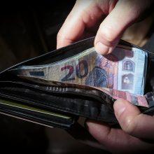 Finansų ministerija tikisi spartesnio darbo užmokesčio augimo nei bankai