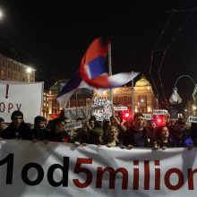 Serbai reikalauja laisvos žiniasklaidos ir sąžiningų rinkimų