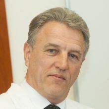 Korupcija įtariamas K. Strupas atleistas iš Santaros klinikų vadovo pareigų