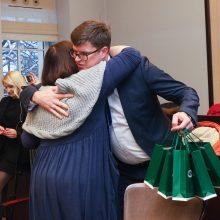 Tris savaites ministerijoje praleidusių mokytojų išleistuvės – su dovanomis