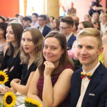 Lietuvoje studijas pasirinkę 20 abiturientų gaus signatarų stipendijas