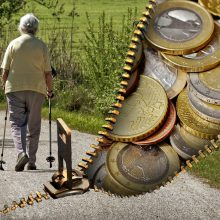 Šalies pensininkų priklausomybė nuo pensijos – milžiniška