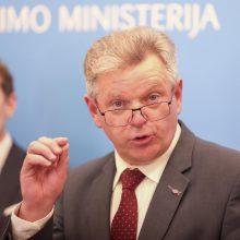 Seimo opozicija kviečia pasiaiškinti ministrą J. Narkevičių