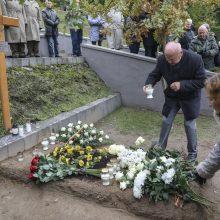 Su sovietų okupacija kovojusiam partizanų vadui – pagarba ir gėlių vainikai