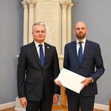 Prezidentas įteikė skiriamuosius raštus Lietuvos ambasadoriui Kanadoje